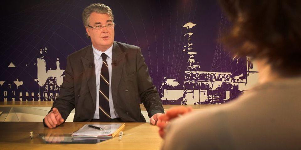 Municipales : le président du CESE, l'ancien ministre UMP Jean-Paul Delevoye, quitte l'UMP pour son soutien à un candidat PS