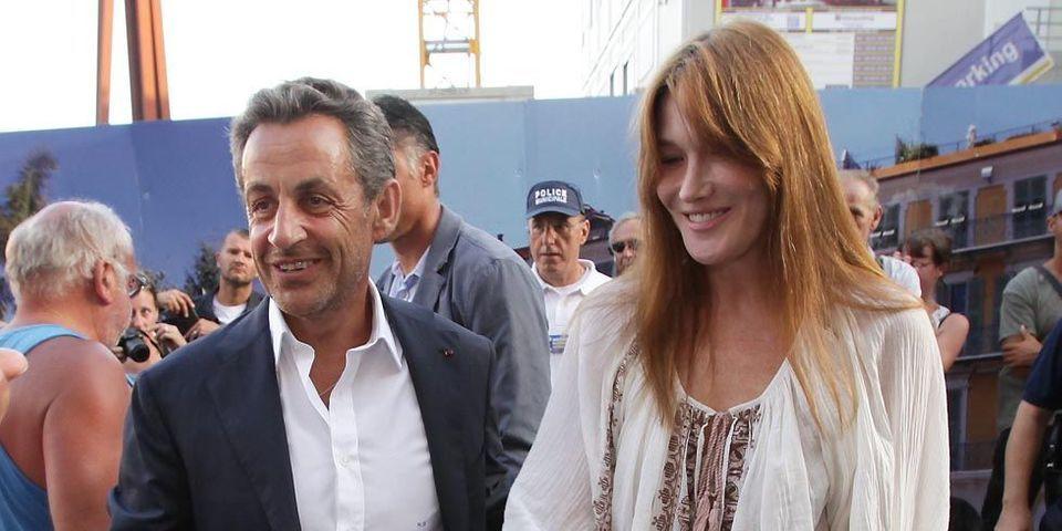 """Nicolas Sarkozy assiste au concert de Carla Bruni, la trouve """"fantastique"""" et repart ovationné"""