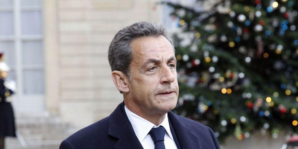 """Sarkozy veut attaquer Hollande sur sa politique internationale : """"On brûle le drapeau français dans tout le monde arabe. Tout va bien"""""""