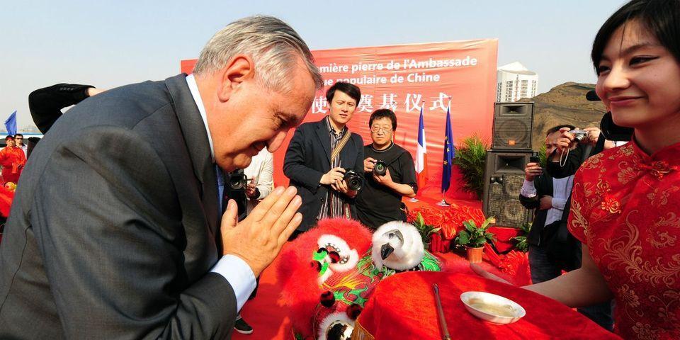 Où l'on apprend que Jean-Pierre Raffarin a déjà chanté l'Internationale en chinois