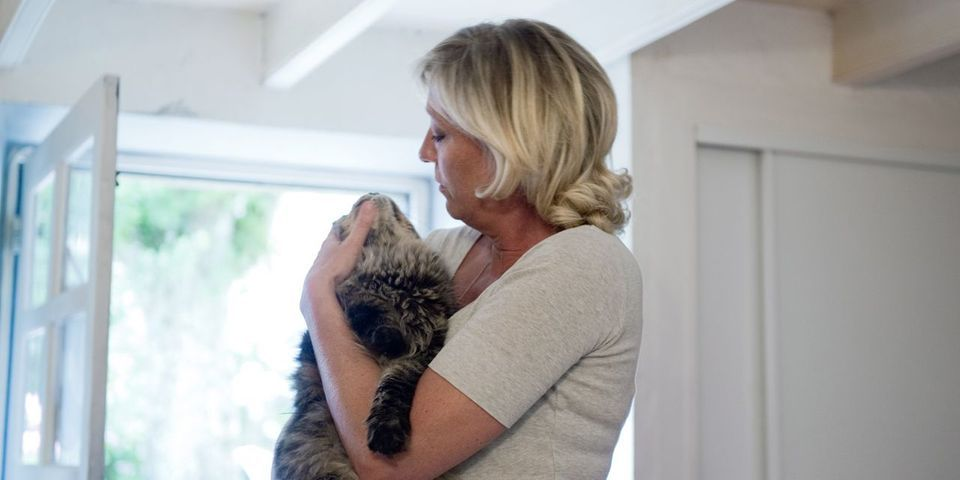 Où l'on apprend que la dernière fois que Marine Le Pen a pleuré, c'est quand sa jeune chatte est morte