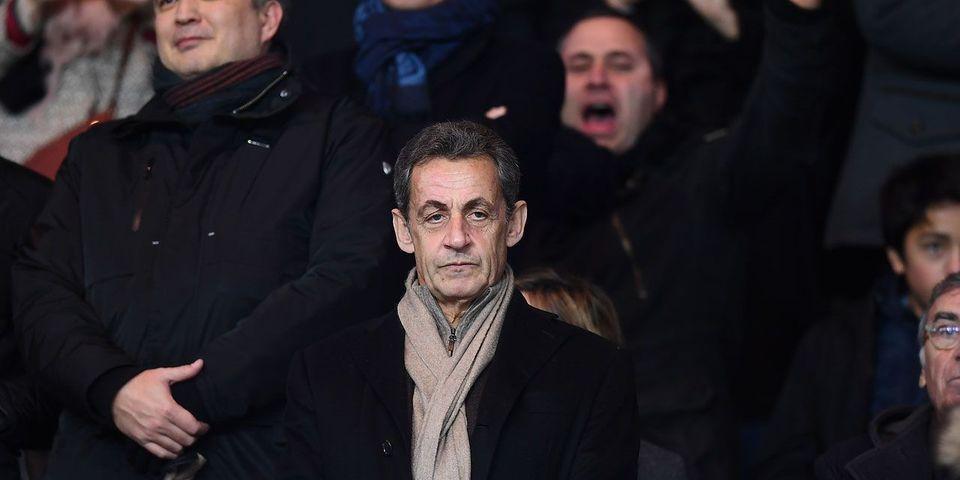 Où l'on apprend que Nicolas Sarkozy s'est fait recadrer par la sécurité pendant Barcelone-PSG