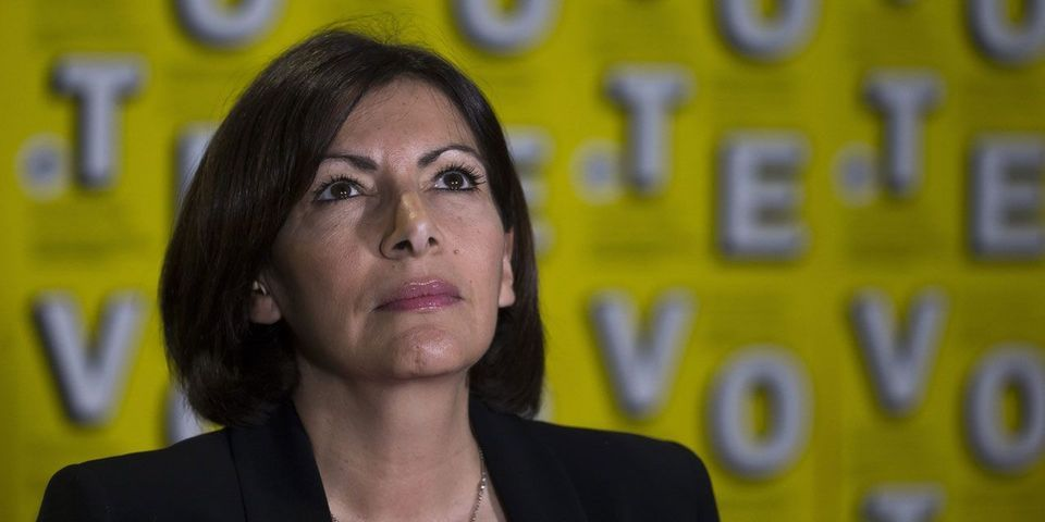 Oups, Anne Hidalgo s'embrouille sur les prolongements des lignes de métro