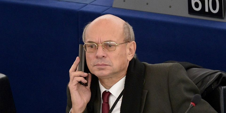 Oups, l'eurodéputé FN Jean-Luc Schaffhauser a voté par erreur pour la peine de mort pour les homosexuels