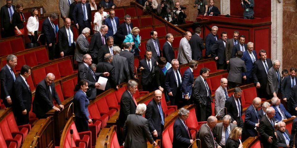 Penelope Gate : 17 parlementaires LR et UDI (sur 412) signent une tribune de soutien à François Fillon