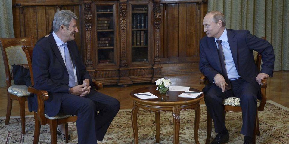 """Philippe de Villiers """"échangerait"""" bien """"Hollande plus Sarkozy contre Poutine"""""""
