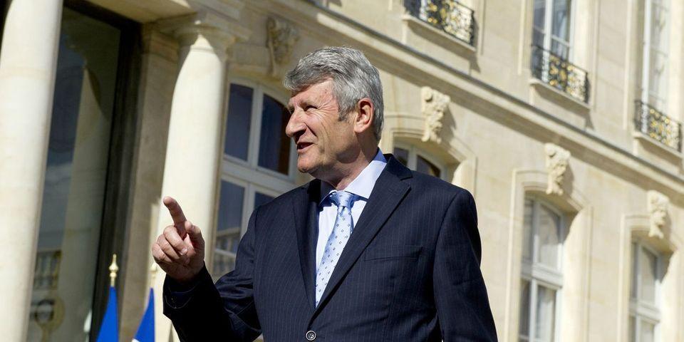 Philippe de Villiers prédit un second tour Macron-Le Pen à la présidentielle (et donc une élimination de Fillon)