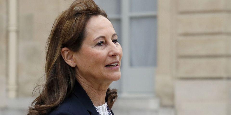 Pic de pollution à Paris: Ségolène Royal s'attire les foudres de la majorité parisienne en refusant la circulation alternée