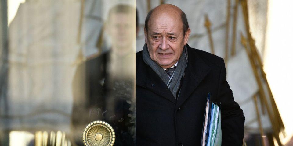 Possible candidat aux régionales en Bretagne, Jean-Yves Le Drian ne veut pas donner l'image d'un ministre sur le départ