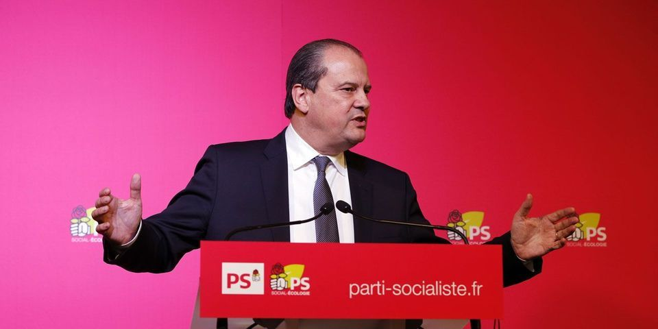 """Pour Jean-Christophe Cambadélis, la primaire de la gauche """"a du plomb dans l'aile"""""""