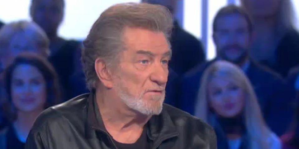"""Pour le chanteur Eddy Mitchell, Manuel Valls est plus """"du côté FN qu'à gauche"""""""