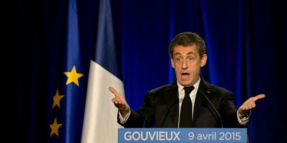 """Pour Nicolas Sarkozy, le PS est """"d'abord socialiste"""" avant d'être """"républicain"""""""