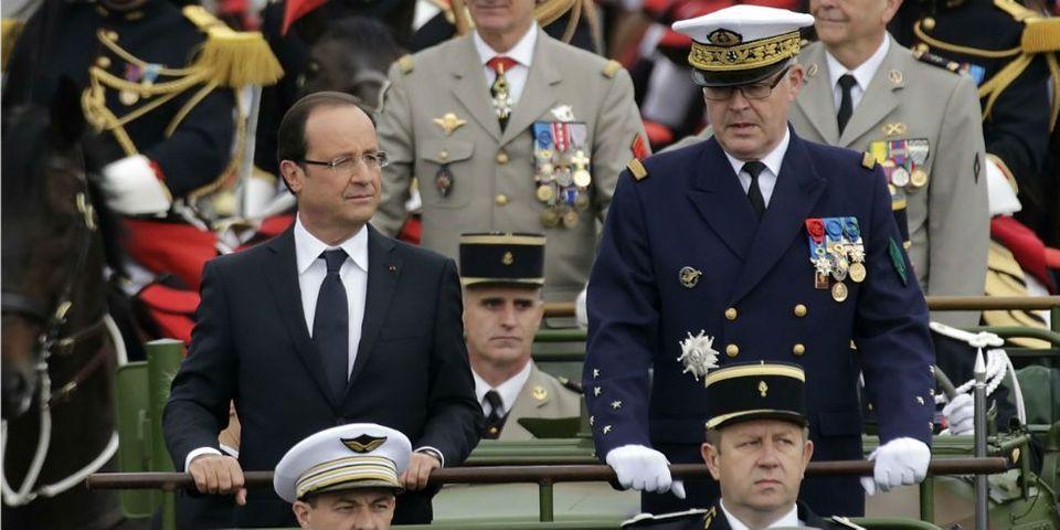Premier défilé pour le président Hollande
