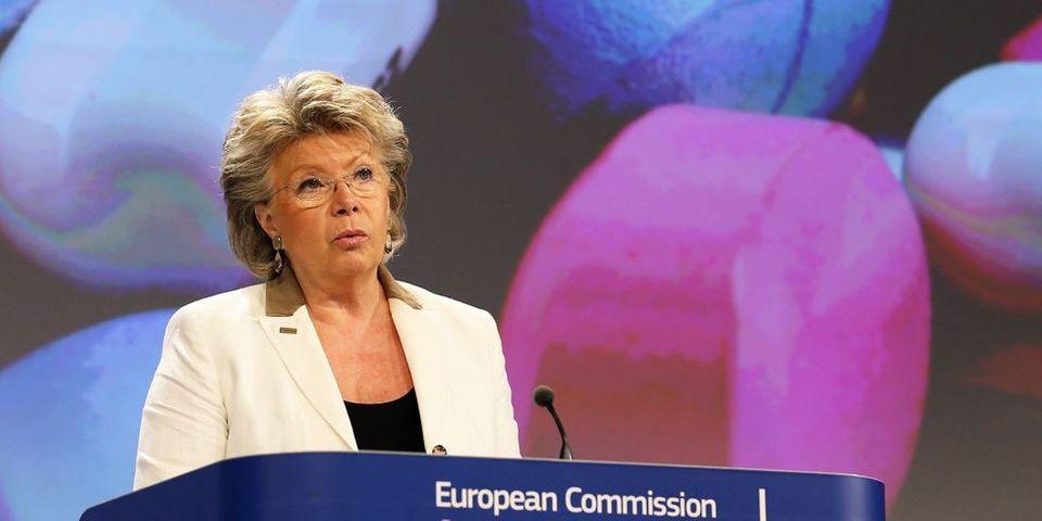 Propos de Manuel Valls sur les Roms : Viviane Reding dénonce de l'électoralisme