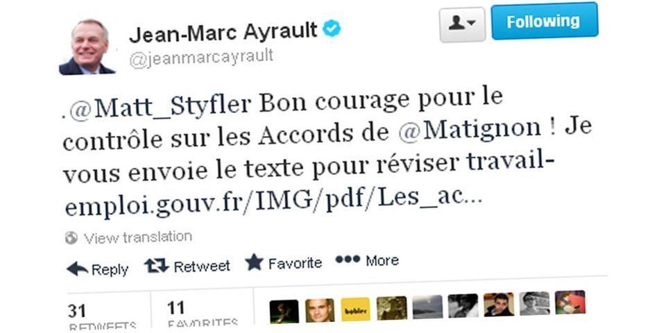 """Quand le professeur Jean-Marc Ayrault souhaite """"bon courage"""" à un ado pour un contrôle d'histoire sur Twitter"""