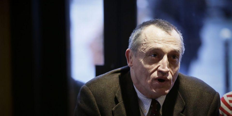 """Quand Paul-Marie Coûteaux, candidat FN-RBM à Paris, propose de """"concentrer"""" les Roms """"dans des Camps"""""""