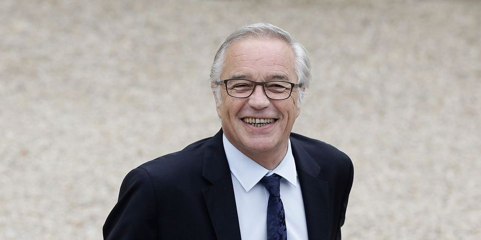 """Selon François Rebsamen, le frondeur Laurent Baumel """"aurait pu soutenir Dominique Strauss-Khan"""""""