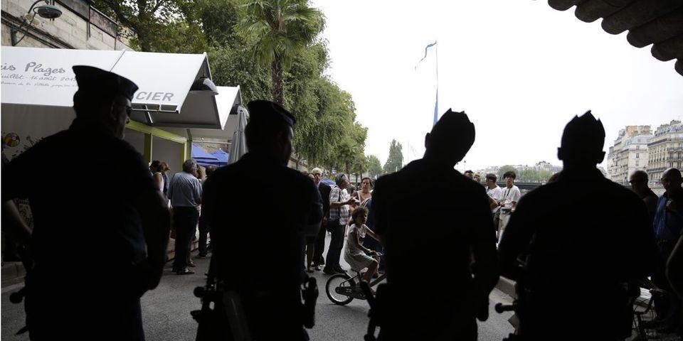 """""""Tel-Aviv sur Seine"""" : une sénatrice EELV demande des comptes à Bernard Cazeneuve concernant la présence de la LDJ"""