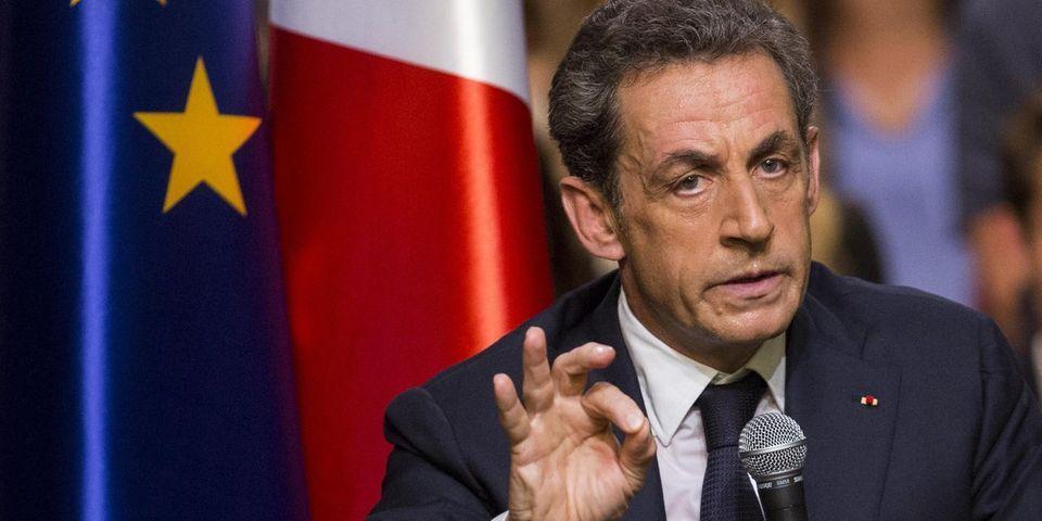 Timbres, ordinateurs, meetings : le low cost au cœur de la communication de Nicolas Sarkozy