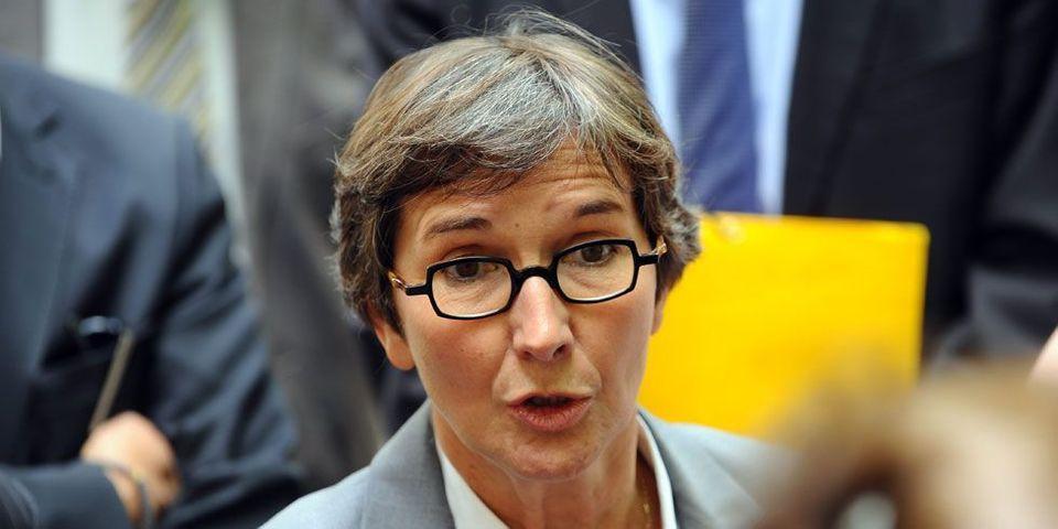 """La ministre des Sports en guerre contre les salaires """"astronomiques"""" du foot"""