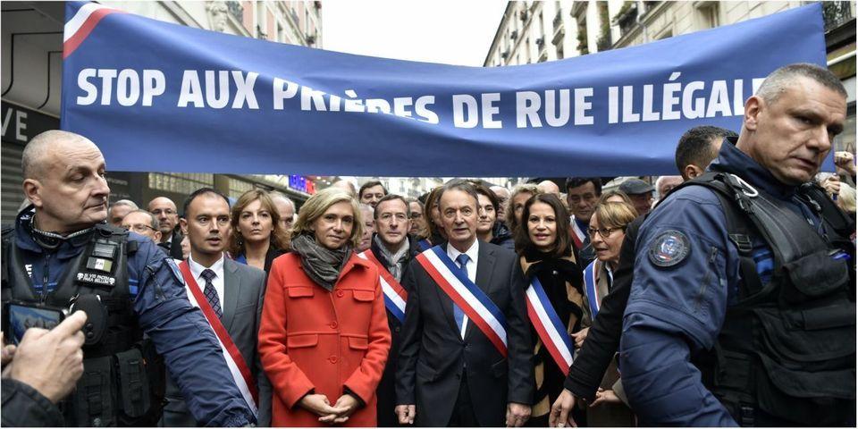 VIDÉO - Des élus chantent la Marseillaise et bousculent des fidèles musulmans en pleine prière de rue à Clichy