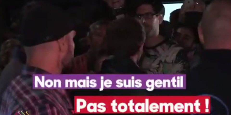 """VIDÉO – Échange lunaire entre Emmanuel Macron et un passant refusant de lui serrer la main : """"Je suis gentil avec les gens"""""""