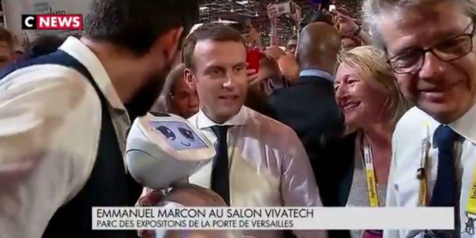VIDÉO – Emmanuel Macron se fait totalement troller par un robot à la VivaTech