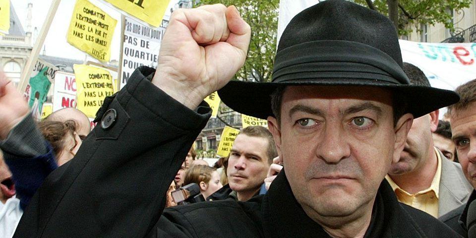 VIDÉO - En 2002, Mélenchon n'avait pas hésité à appeler à voter pour Chirac contre Le Pen