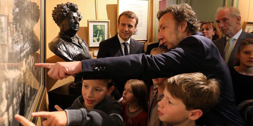 VIDÉO - La leçon d'histoire approximative de Macron et Bern à des CM2 lors des journées du patrimoine