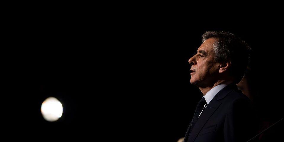 VIDÉO – L'agacement de François Fillon, interrogé sur les nouvelles révélations du Canard Enchaîné