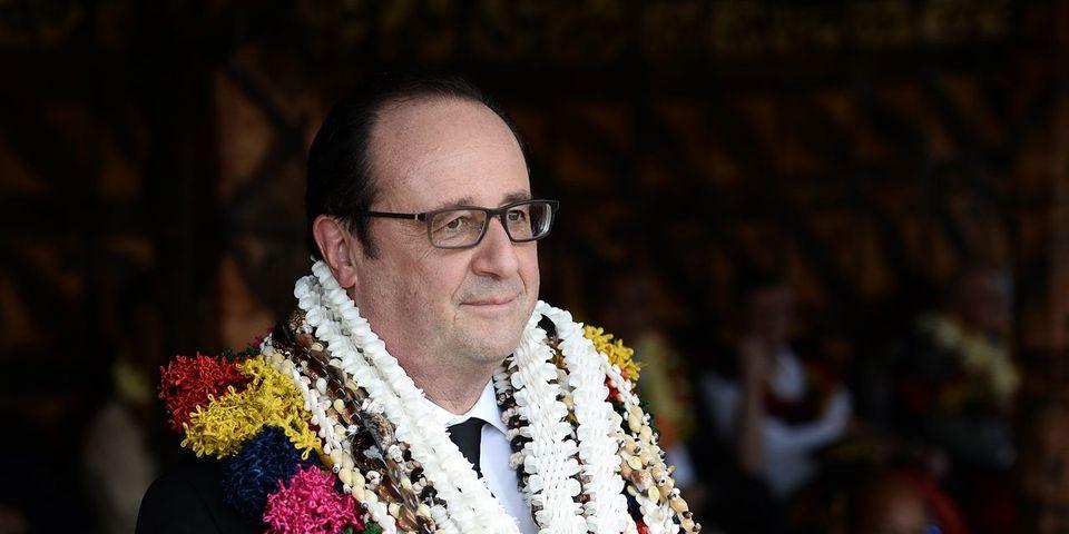 VIDÉO - Ce moment où François Hollande s'applaudit un tout petit peu trop tôt à Wallis