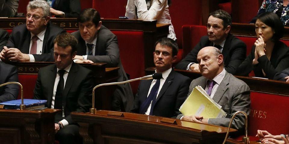 VIDÉO - Loi Macron : les petites tractations entre Valls, Le Guen et Macron avant le recours au 49.3