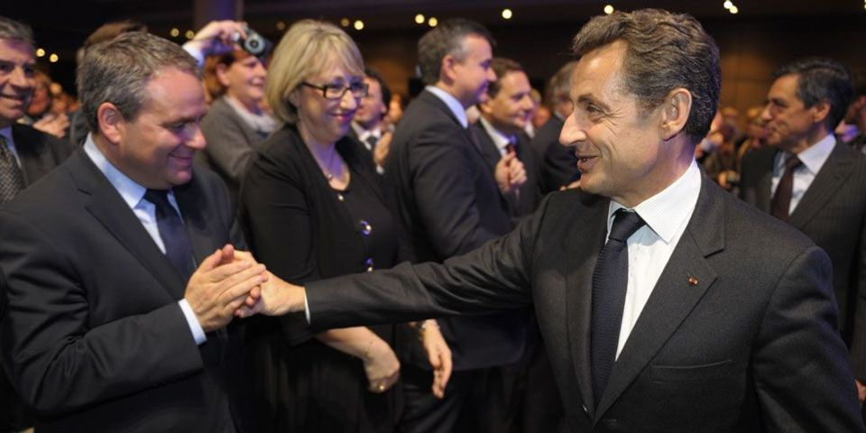Xavier Bertrand fait savoir que Nicolas Sarkozy l'a convaincu