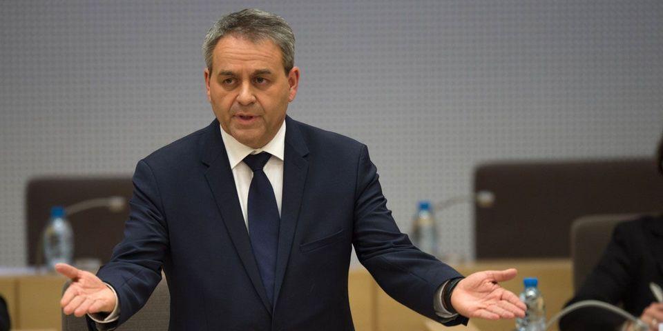 Ce qu'il a perdu comme député-maire, Xavier Bertrand l'a récupéré en s'augmentant de 4.000 euros brut à la communauté d'agglo de Saint-Quentin